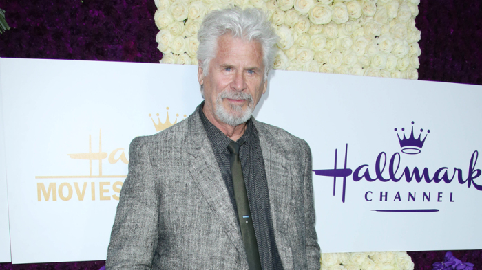 Barry Bostwick come Babbo Natale