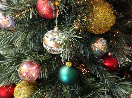 julgran dekorationer