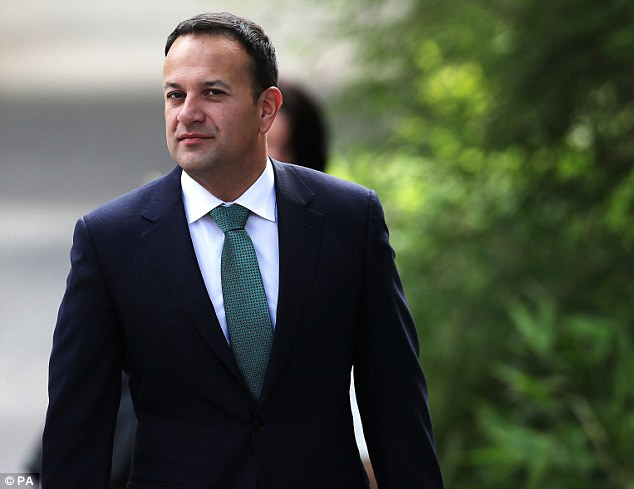 Irish PM betrapt op Santa Cam
