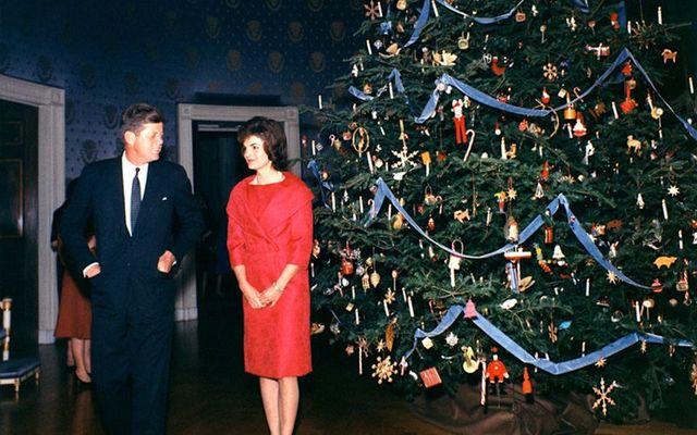 JFK rencontre le père Noël sur Santa-Cam