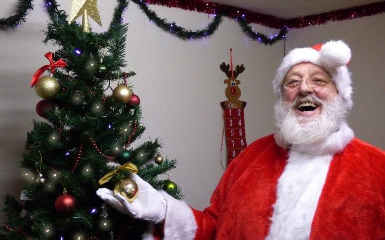 Papá Noel atrapado en la nieve